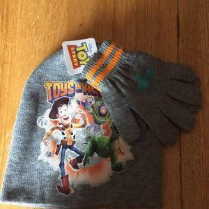 Boys hat and gloves